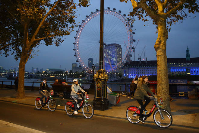 The Cycle Superhighway on the Embankment