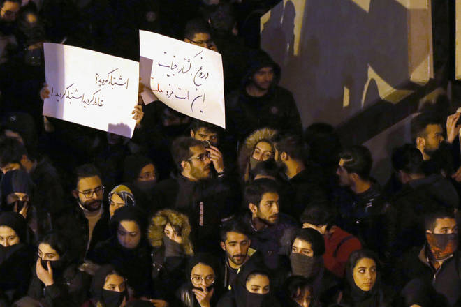 Protestors are calling for Iran's supreme leader to quit