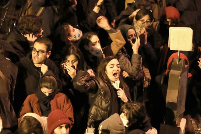 Protestors are calling for Iran's supreme leader to quitn