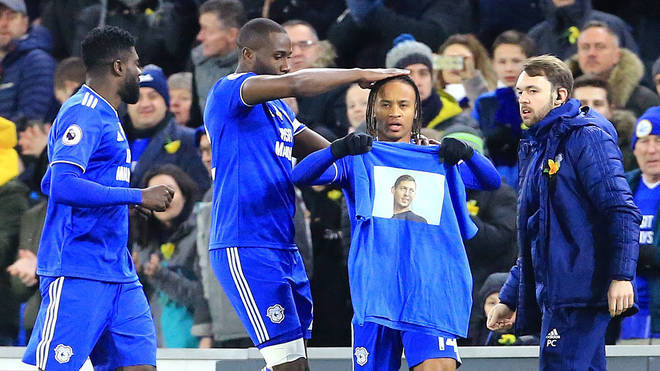 Cardiff City players pay tribute to Sala