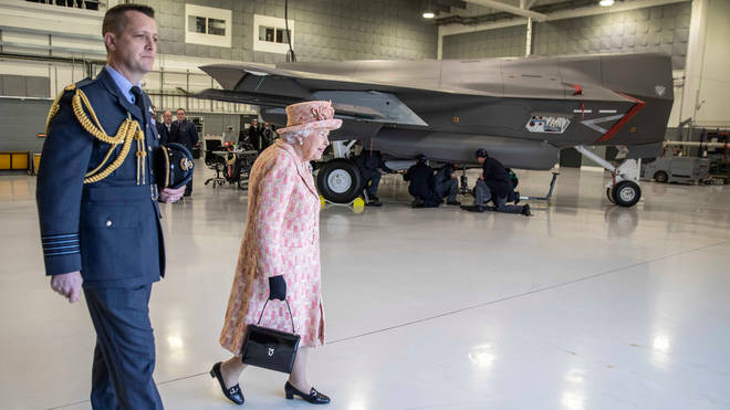The Queen took a look at the F-35B Lightning stealth fighter jets