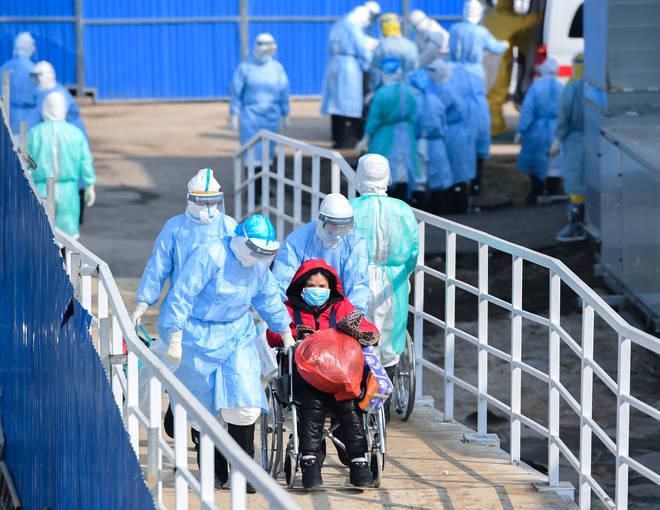 The virus has so far killed 425 people in China and Hong Kong