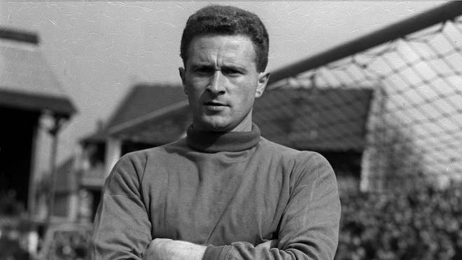 Manchester United and Ireland goalkeeper Harry Gregg pictured in 1957