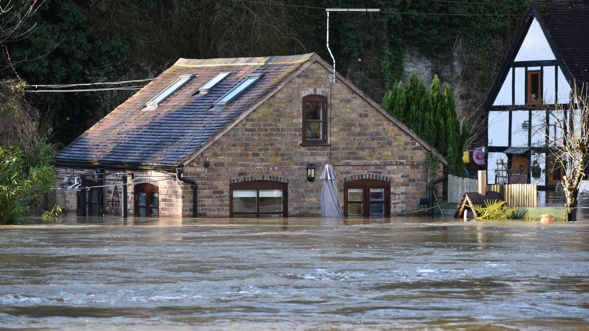 'Immediate evacuation' enforced in Ironbridge as flood barriers 'overwhelmed'