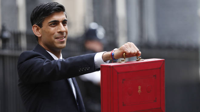Rishi Sunak prepares to deliver the budget
