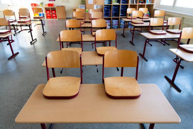Boris Johnson has advised against school closures