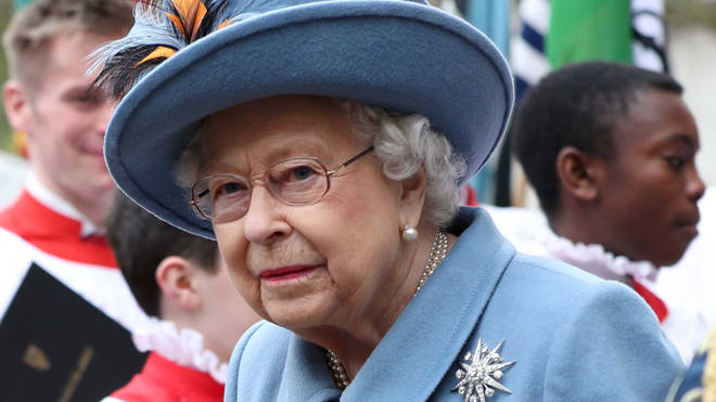The Queen will address the nation on Sunday at 8pm
