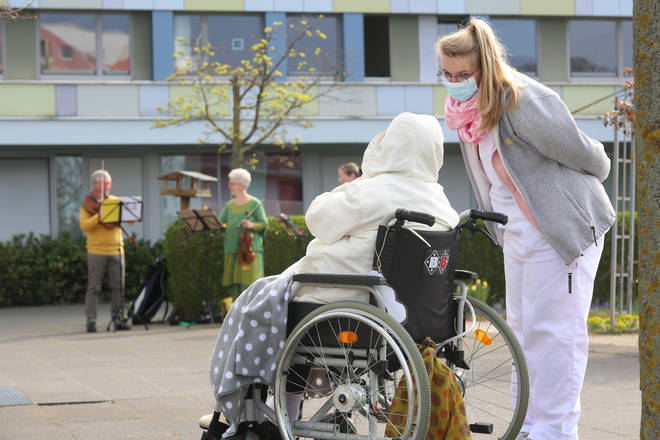 The care sector at high-risk during the coronavirus crisis