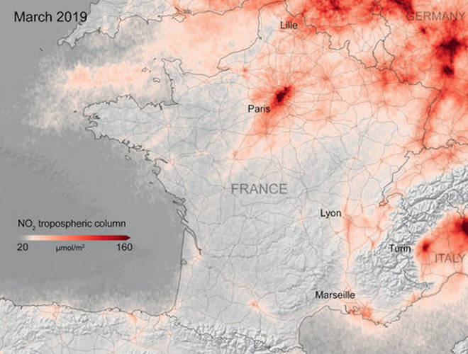 The comparison over France shows reduced levels of pollution from 2019 to date