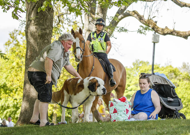 Police will no longer be moving people on if they obey social distancing guidelines in parks