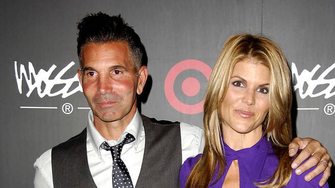 Lori Loughlin and Mossimo Giannulli have agreed to plead guilty