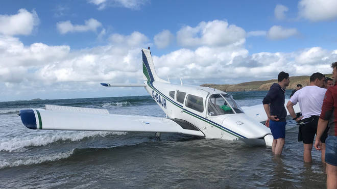 The Piper PA-28-180 Challenger aircraft in the sea