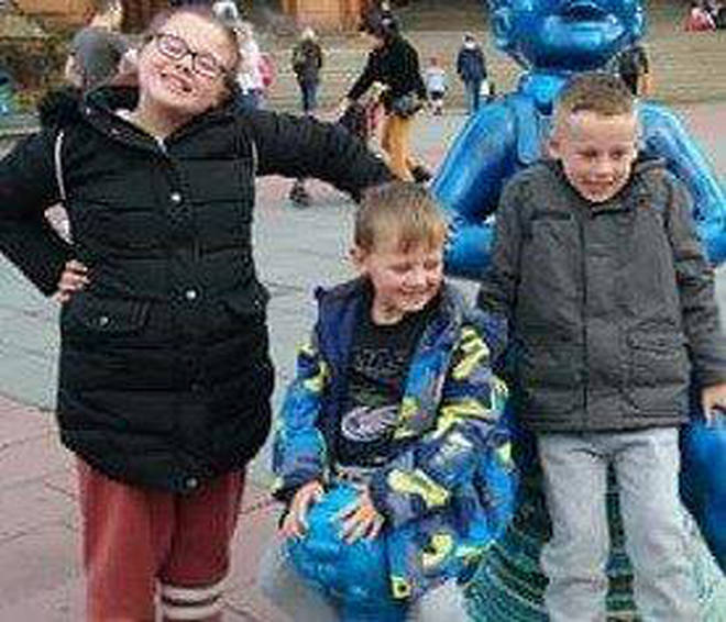 Fiona Gibson (12), Alexander James Gibson (8) and Philip Gibson (5) sadly died