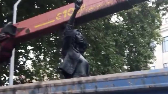 The BLM statue in the back of a skip lorry early this morning