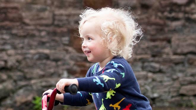 Xander Irvine was walking along Morningside Road in Edinburgh