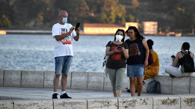 Holidaymakers have until 4am Saturday to get home before the quarantine comes into effect