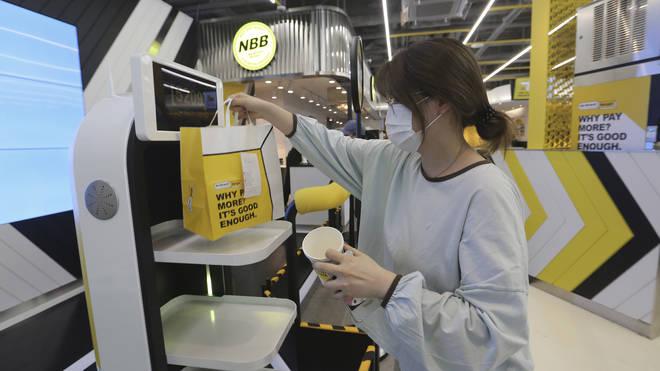 South Korea Restaurant Robots