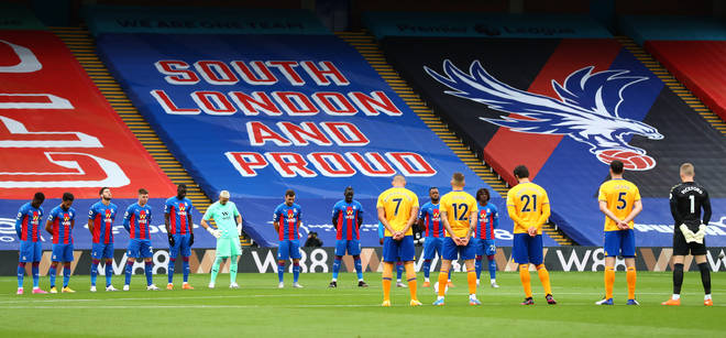 Crystal Palace and Everton players observe a minute's silence to pay their respects to local police officer Sergeant Matt Ratana