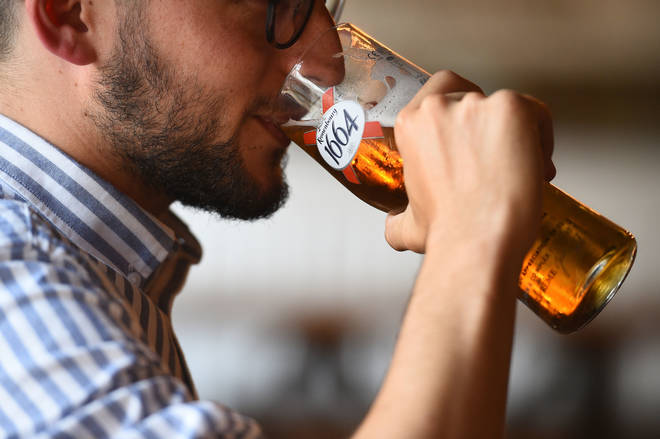 Alcohol will not be sold  in pubs, bars and restaurants for 16 days