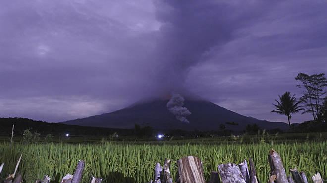 Indonesia volcanoes erupt