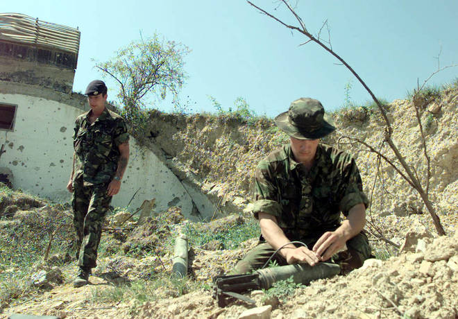 The Kosovo War lasted between 1998 and 1999