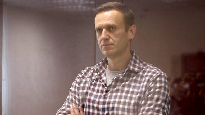 Russian opposition leader Alexei Navalny has been ordered to pay a fine of 850,000 rubles (£8,200) in a defamation case
