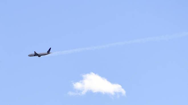 Emergency landing plane