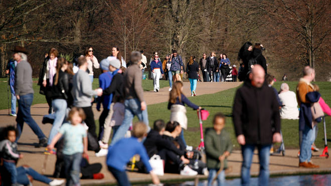 Many people were in Kensington Gardens in London during the warm weather