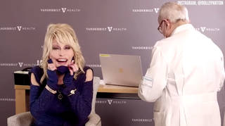 Dolly Parton sung a new version of Jolene as she was given the Moderna Covid vaccination.