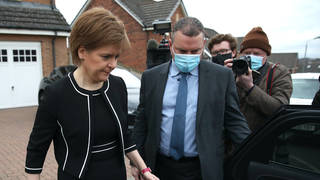 A report from a Scottish Parliament committee has said that Nicola Sturgeon misled MSPs