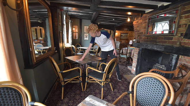 Pubs could be allowed to scrap social distancing in exchange for checking customers' vaccination status.