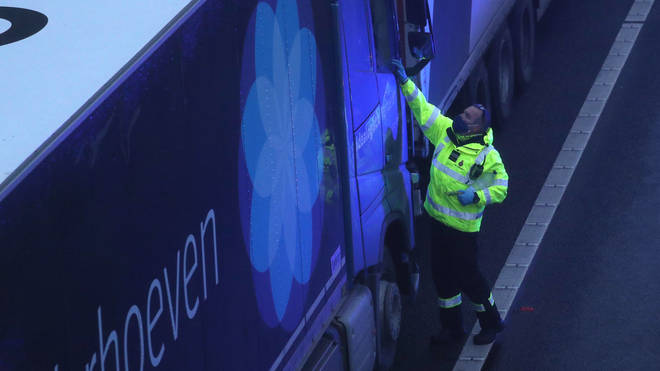 Reports suggest ministers are planning to mass test lorry drivers