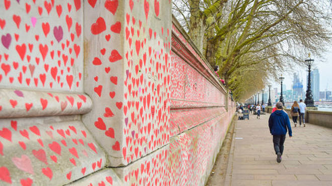 150,000 hearts will be painted by volunteers