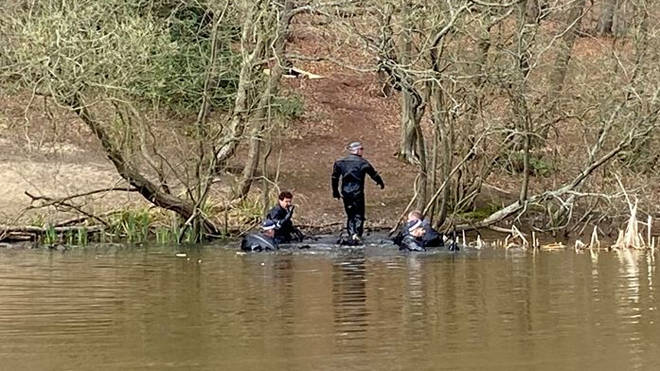 Police divers carry out searches in Epping Forest