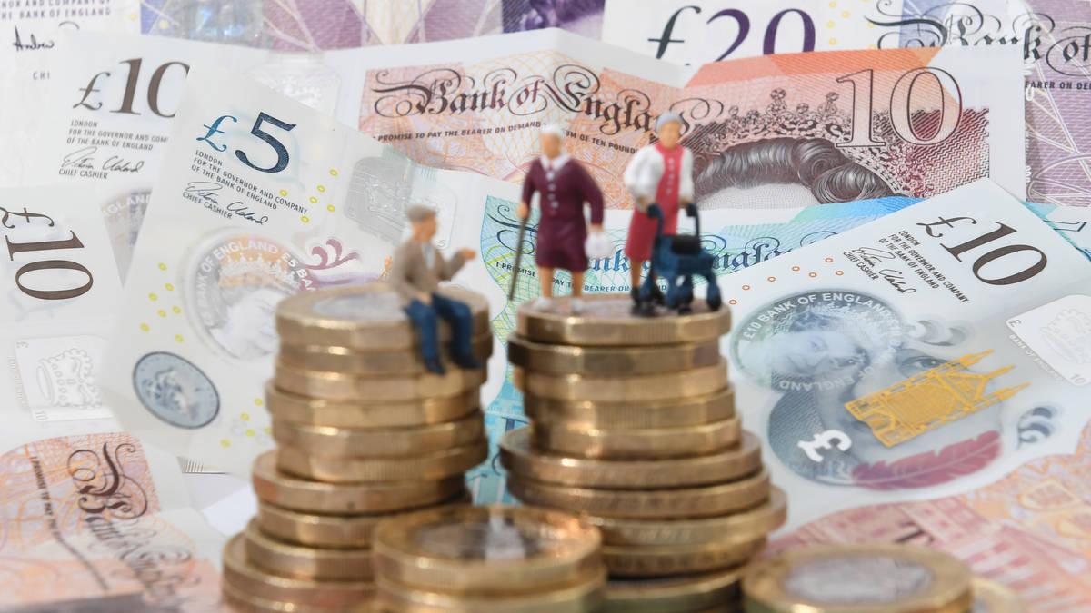 Scrap £10,000 earnings threshold for auto-enrolment, says Scottish Widows