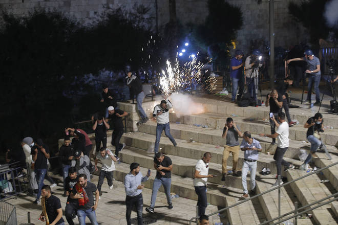 At least 64 Palestinians were injured in demonstrations and violent clashes near Damascus Gate in East Jerusalem on Saturday night, medics said.
