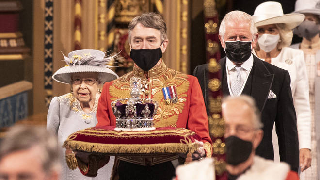 The Queen didn't wear the usual ceremonial robes