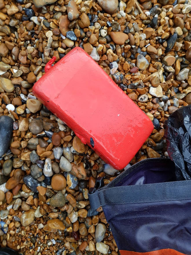 Around a tonne of cocaine was found on the beach