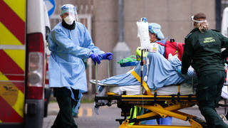 "Top nurses claim Covid-19 guidance for NHS staff ""falls short"""