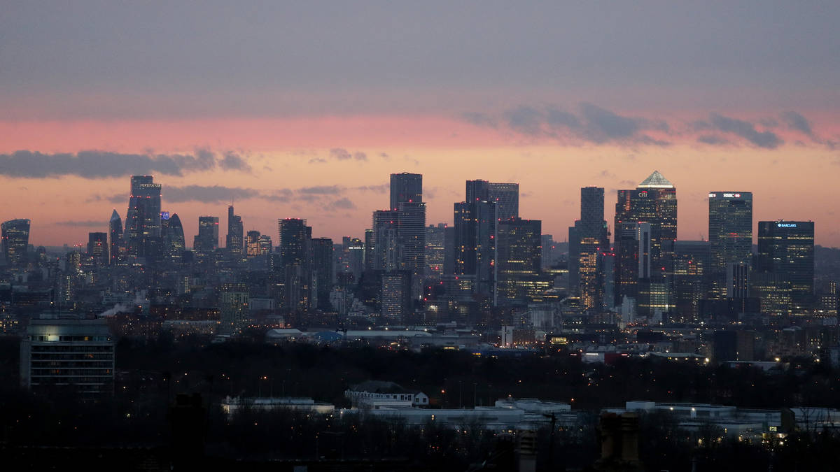 FTSE climbs to month high after rebound in UK GDP