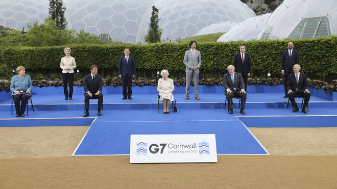 The Queen posed for a photo with G7 leaders