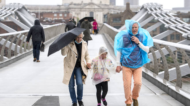 The Met Office has forecast outbreaks of rain to hit the South late Saturday afternoon into Saturday night, with the Environment Agency issuing 39 flood alerts, where flooding is possible, in London and surrounding areas