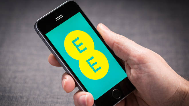 EE will give all customers free data between 6pm and midnight on Sunday