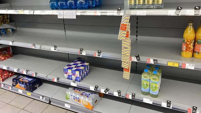 Empty shelves (@HapG86/PA)