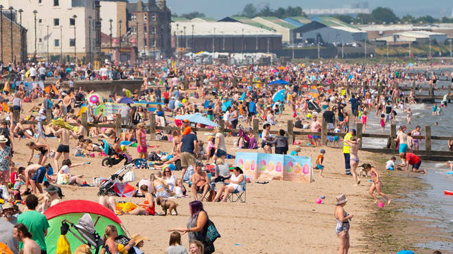 Brits are set to enjoy a warm bank holiday