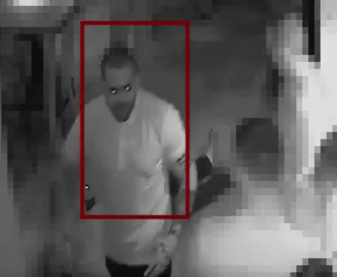 Police hunt man who punched 46-year-old in busy bar