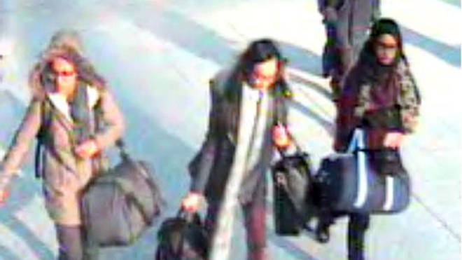 15-year-old Amira Abase, Kadiza Sultana, 16, and Shamima Begum before catching a flight to Turkey in 2015 to join the Islamic State group
