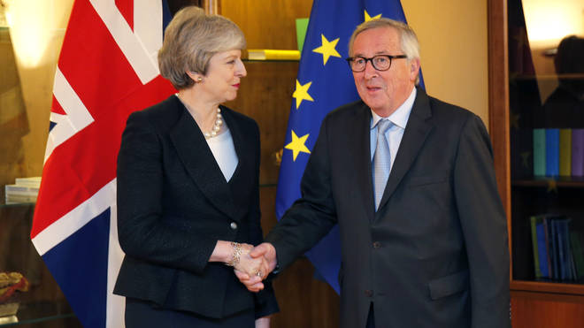 Theresa May strikes an agreement with Jean-Claude Juncker