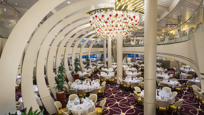 Cruise dining room