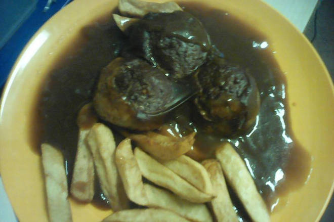 The prisoner took pictures of his meals at HMP Risley